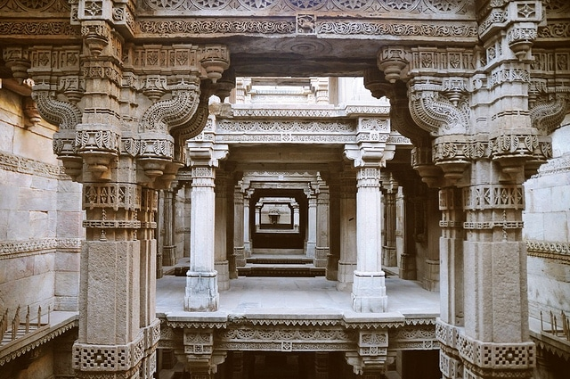 adalaj-step-well2