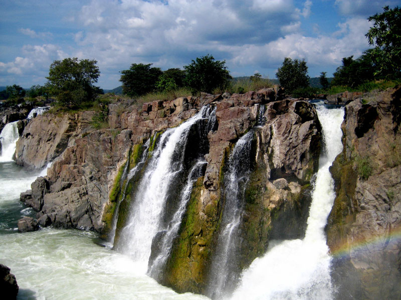 Hogenakal Falls – Refresh Yourself at This Captivating Getaway