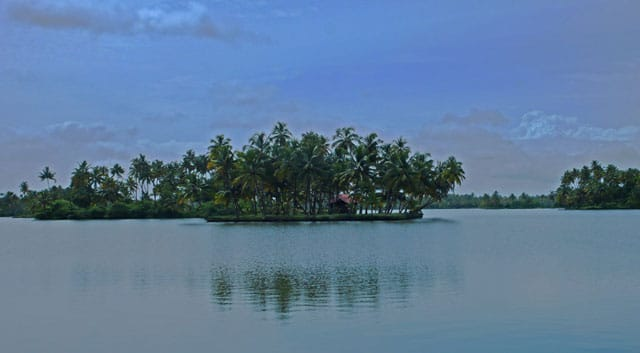 kerala-backwaters1