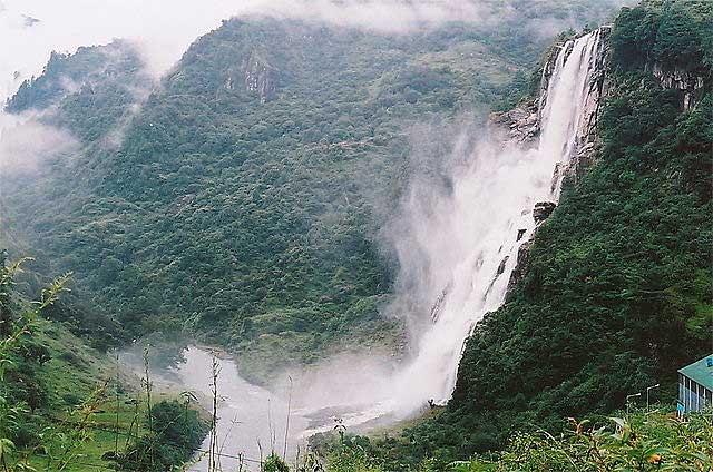nuranang-waterfalls