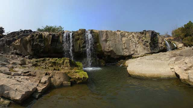 Pochera Waterfalls