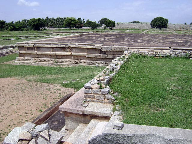 royal-enclosure-hampi