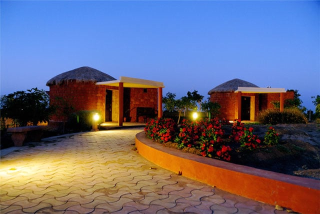 Royal Safari Camp, Bajani