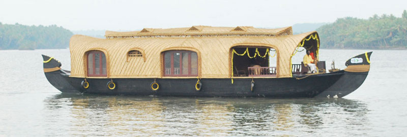 Saam's Luxury Houseboats