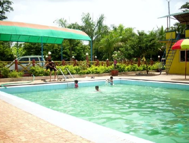 Rohan Water Park & Holiday Resort