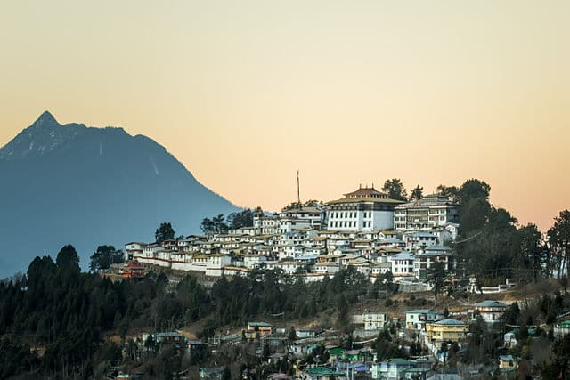 A Complete Tour Guide to Tawang Hill Station